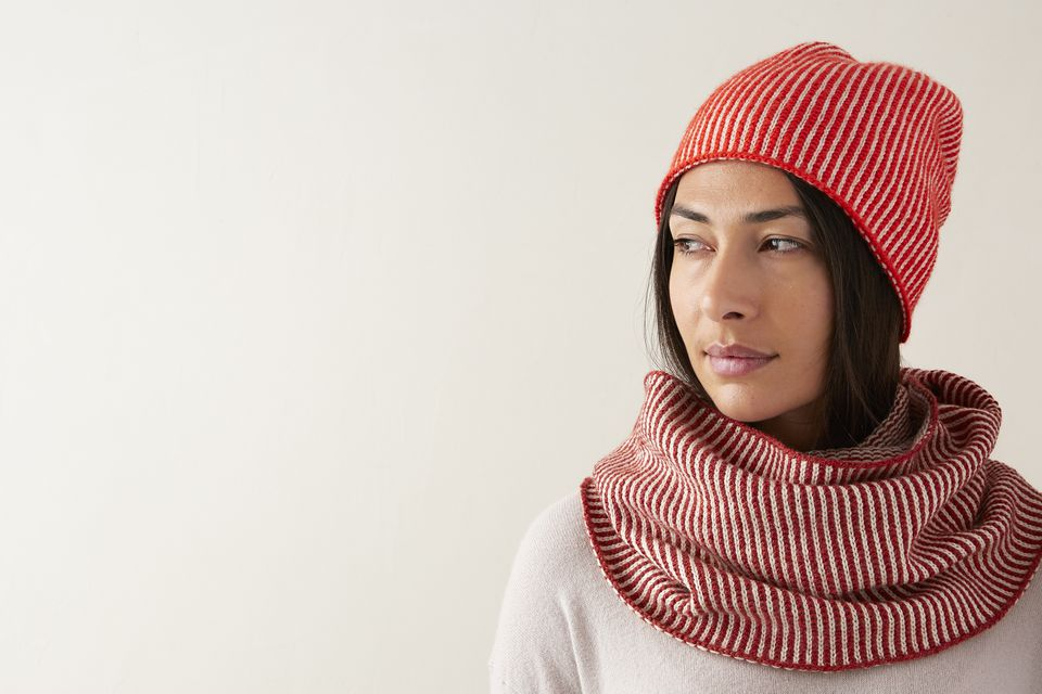 Corrugated Hat and Cowl Knitting Pattern