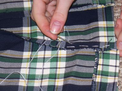 How to Put Side Slits in a Skirt