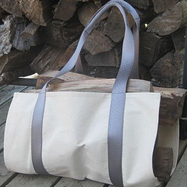 Simple Log Carrier with Comfortable Handles