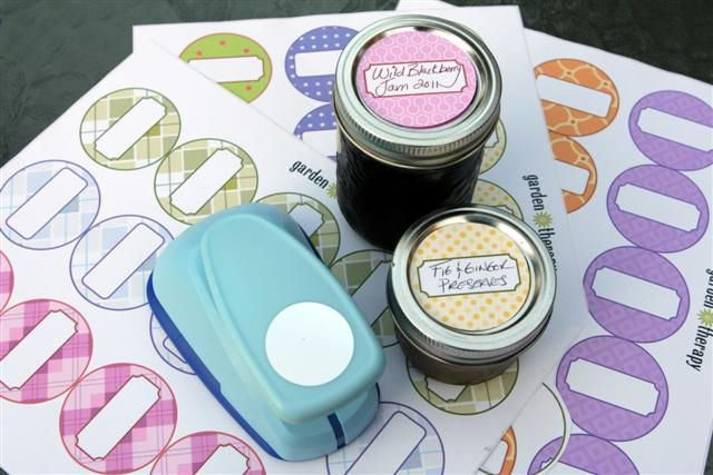Sheets of free canning jar labels with jars