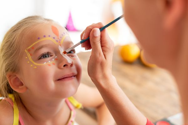 kid-face-paint