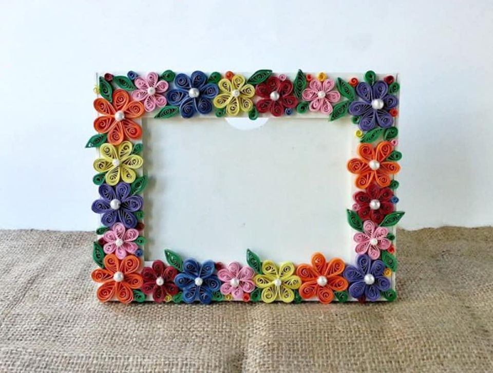 quilled flower photo frame