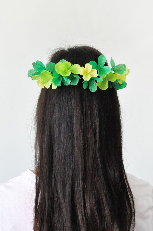 DIY St. Patrick's Day Clover Crown