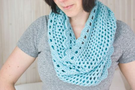 Crochet a DIY Infinity Scarf With Shell Stitches