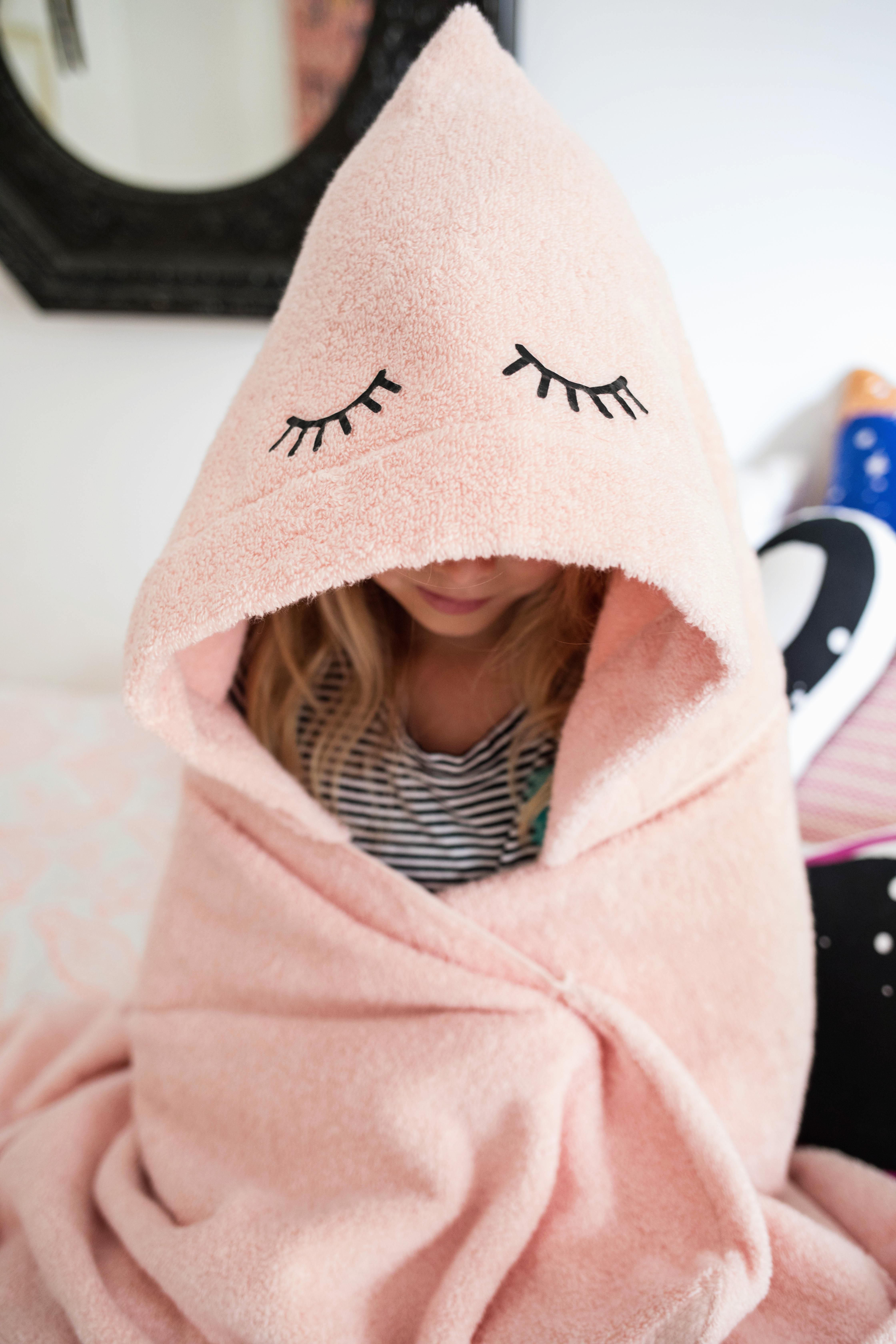 DIY child's bathrobe