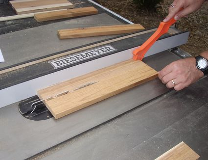 Riving knife on a table saw