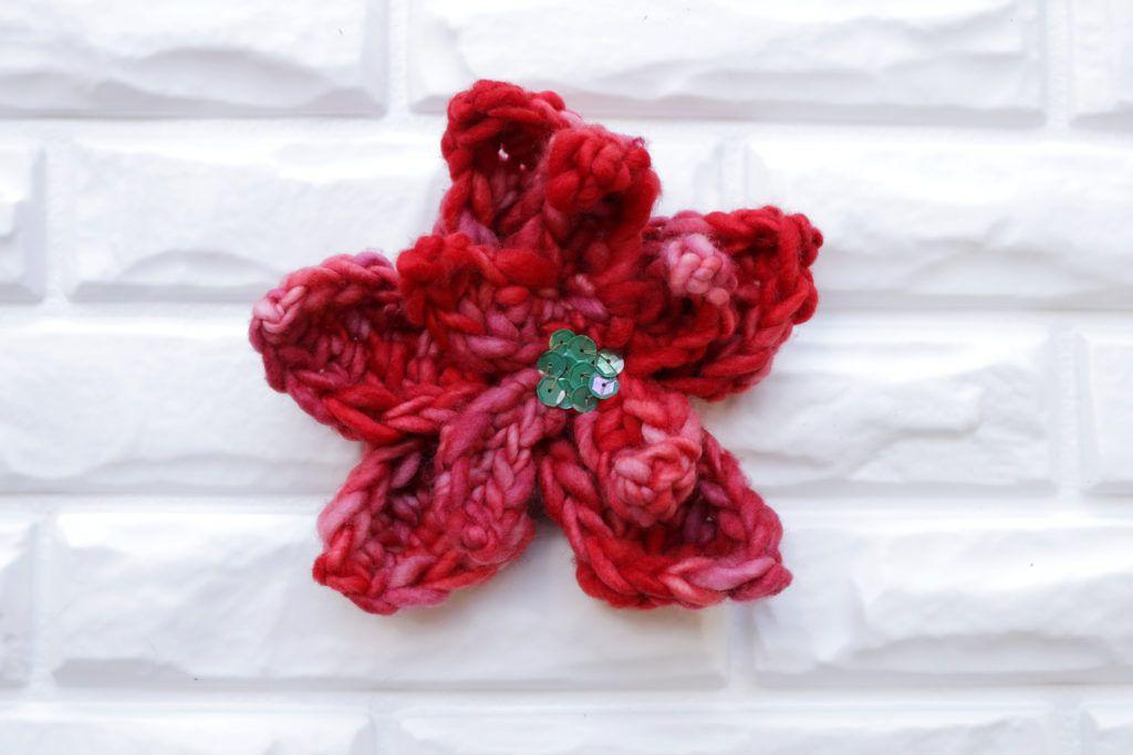 Easy Poinsettia Crochet Pattern