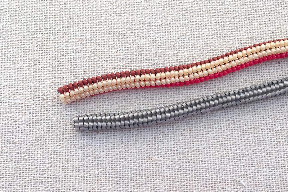 Tubular herringbone comparison cylinder vs. Czech beads