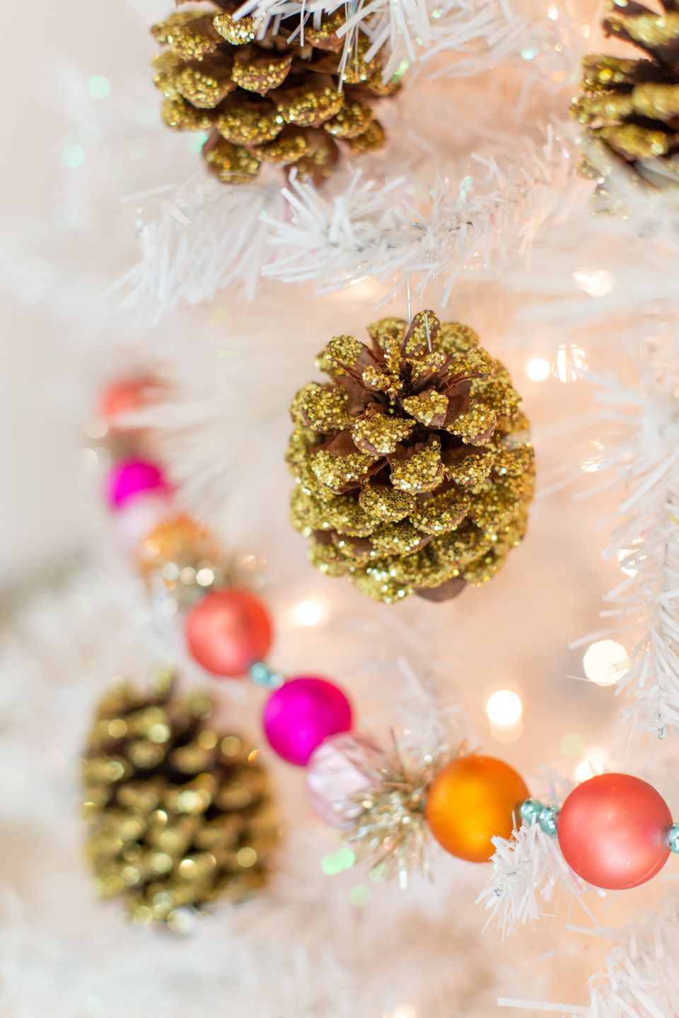 How to make glitter pine cone ornaments