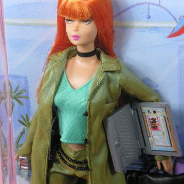 Modern Circle Barbie, Close Up