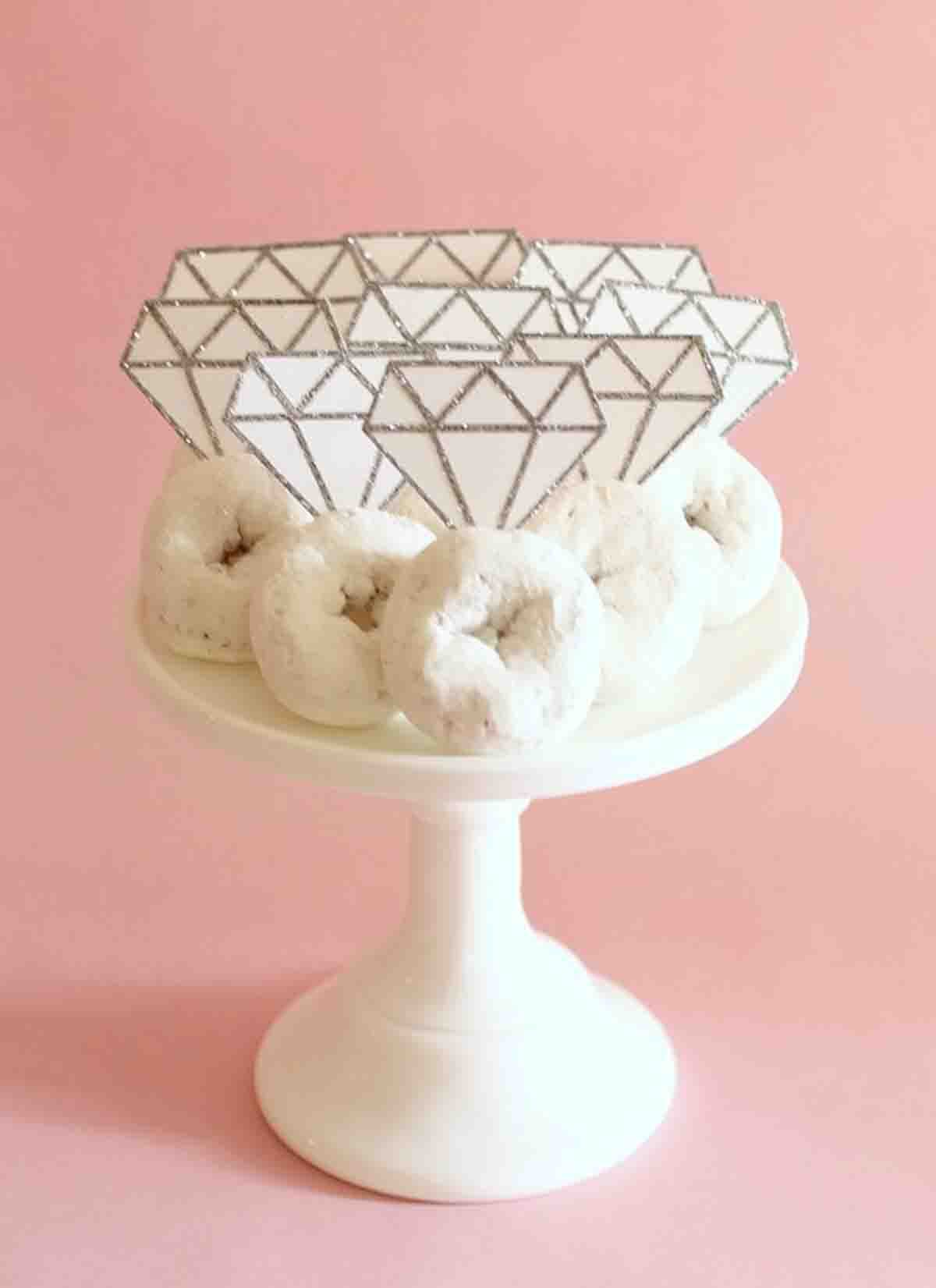 18 Paper Crafts Perfect for Bridal Showers