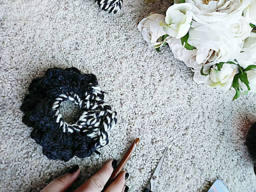 Chunky Crochet Hair Scrunchie Pattern