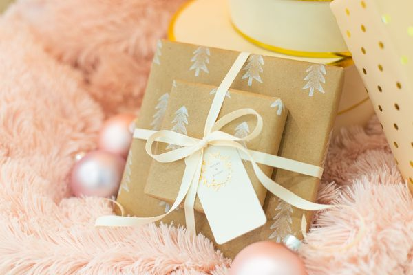 How to make DIY wrapping paper