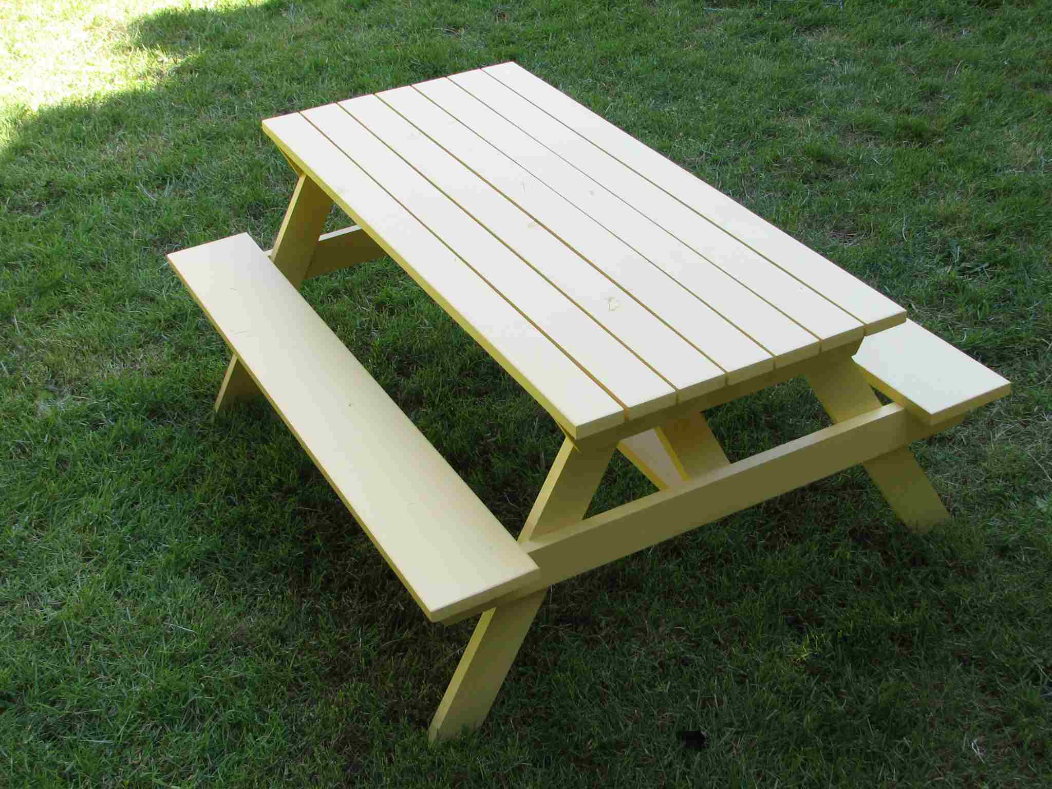 Free Picnic Table Plans In All Shapes And Sizes - Treated lumber picnic table