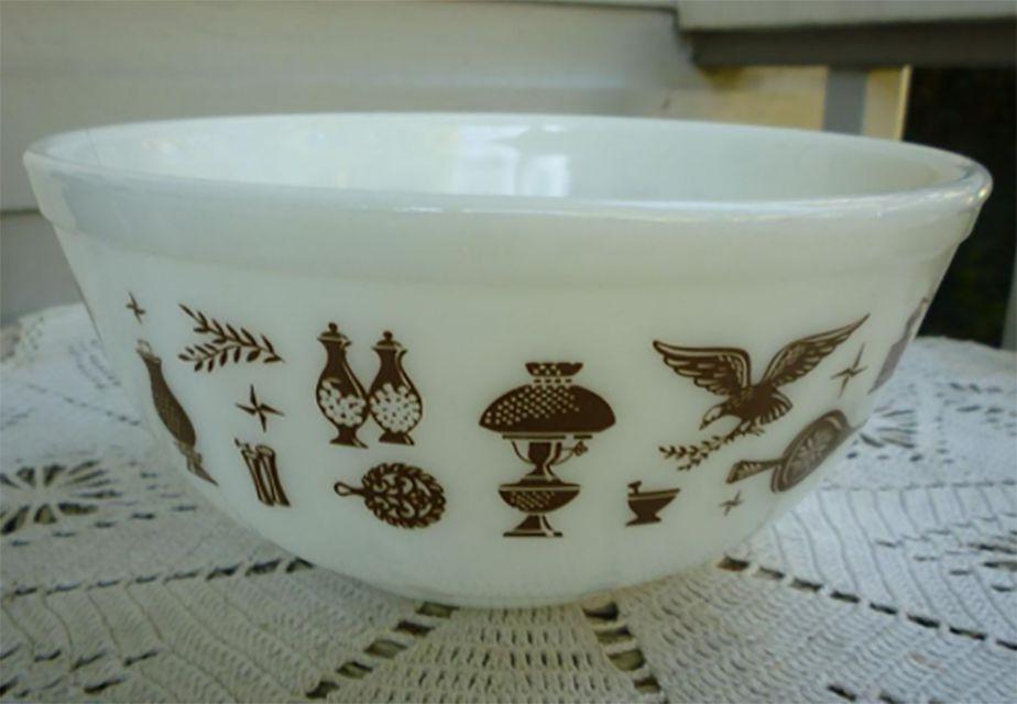 Pyrex Early American Pattern Bowl