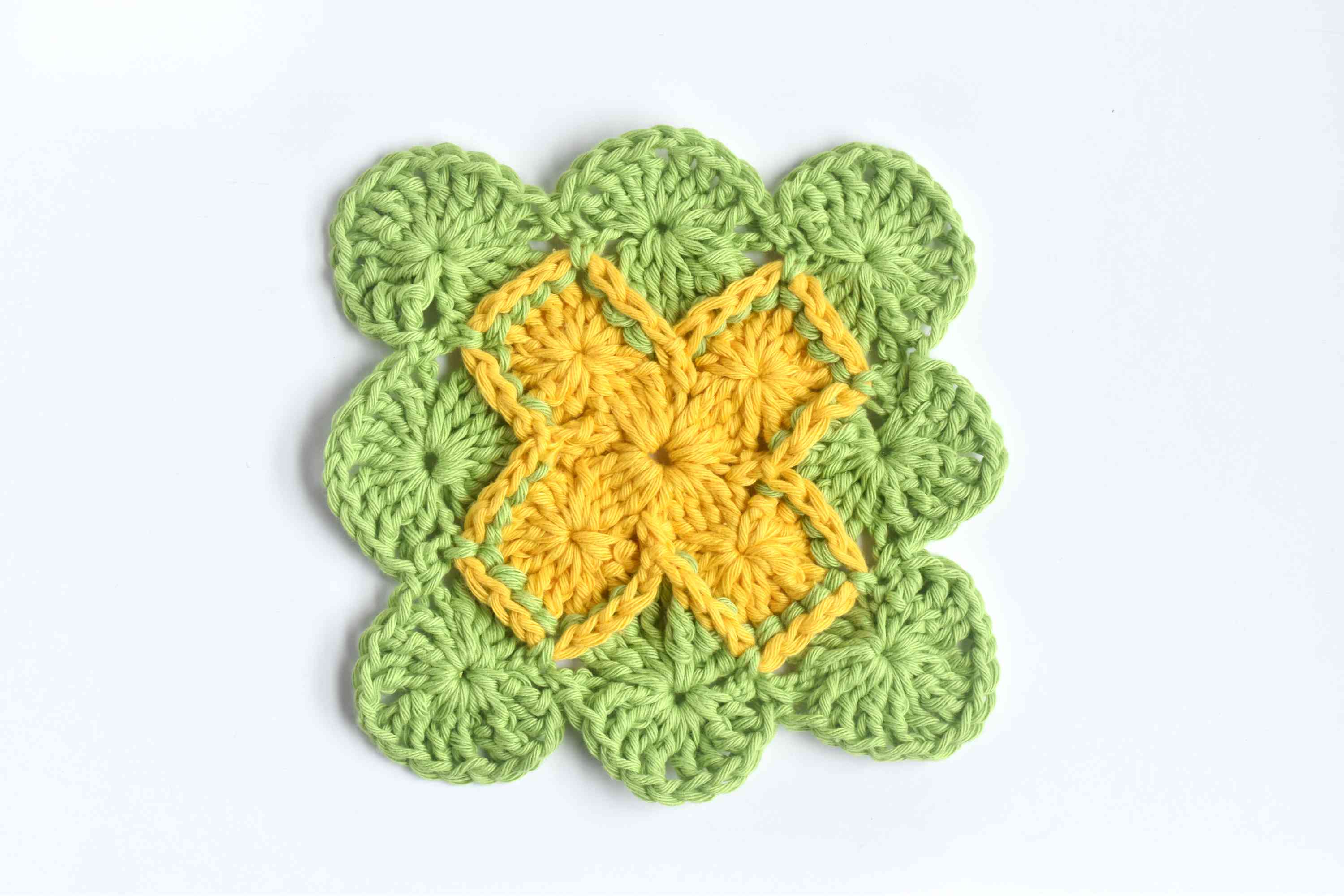 Repeat the Steps to Complete Round 4 of Bavarian Crochet