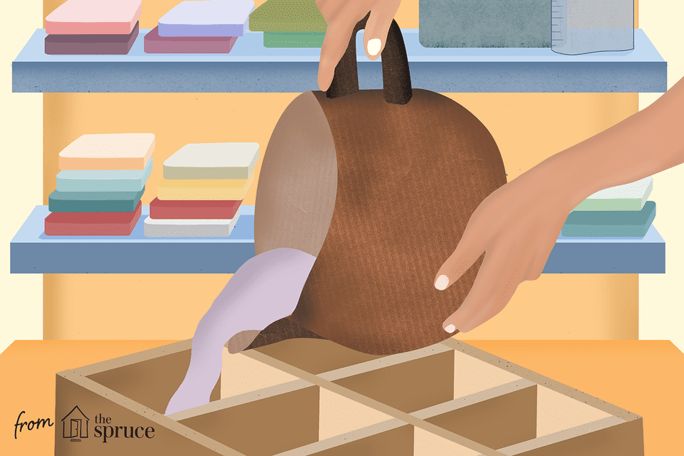 Illustration of hands pouring soap