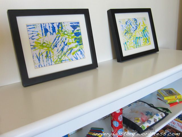 Pictures made with yarn block stamps