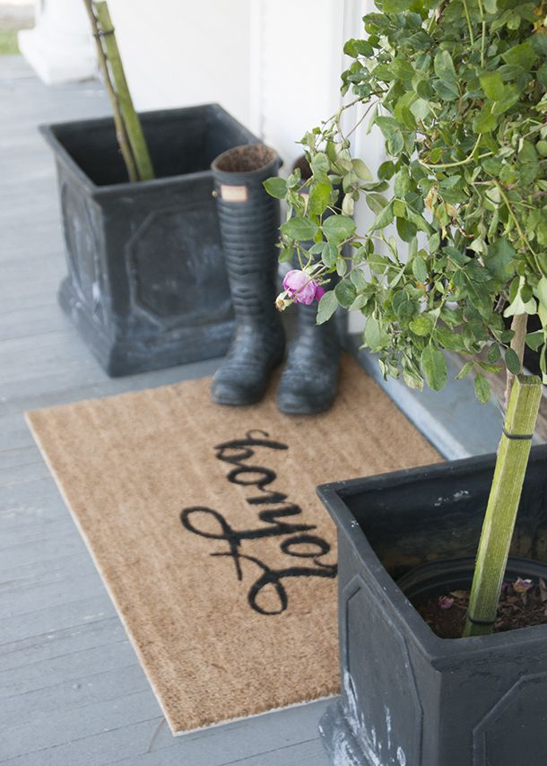 DIY Bonjour Stenciled Doormat