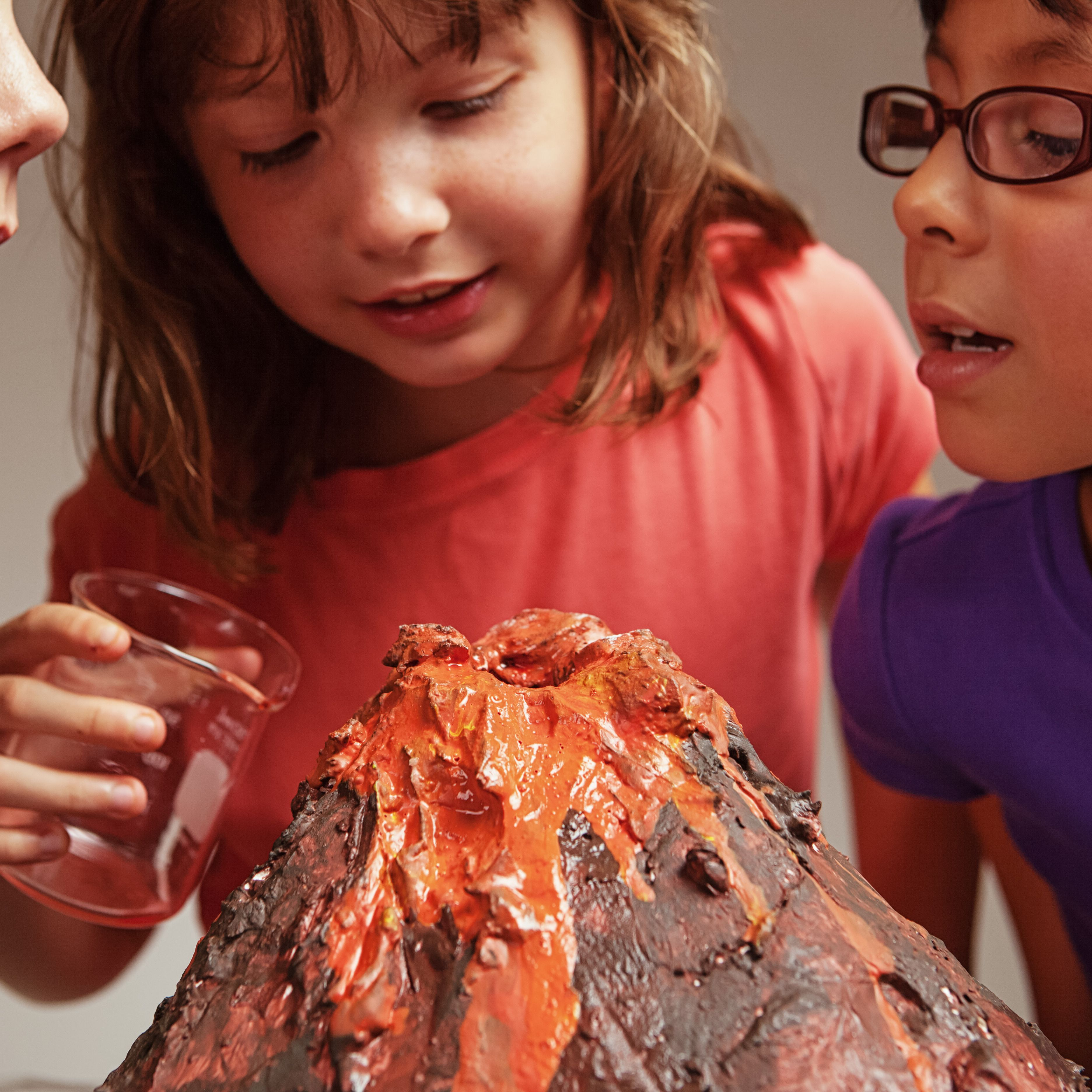 How To Make A Paper Mache Volcano That Erupts