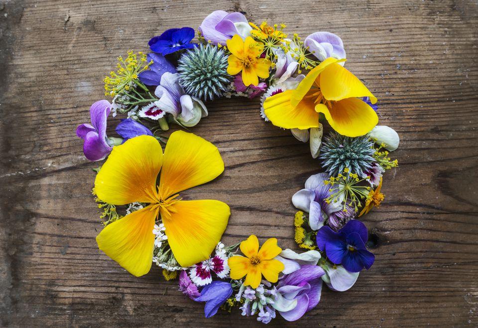 Colorful DIY summer wreath