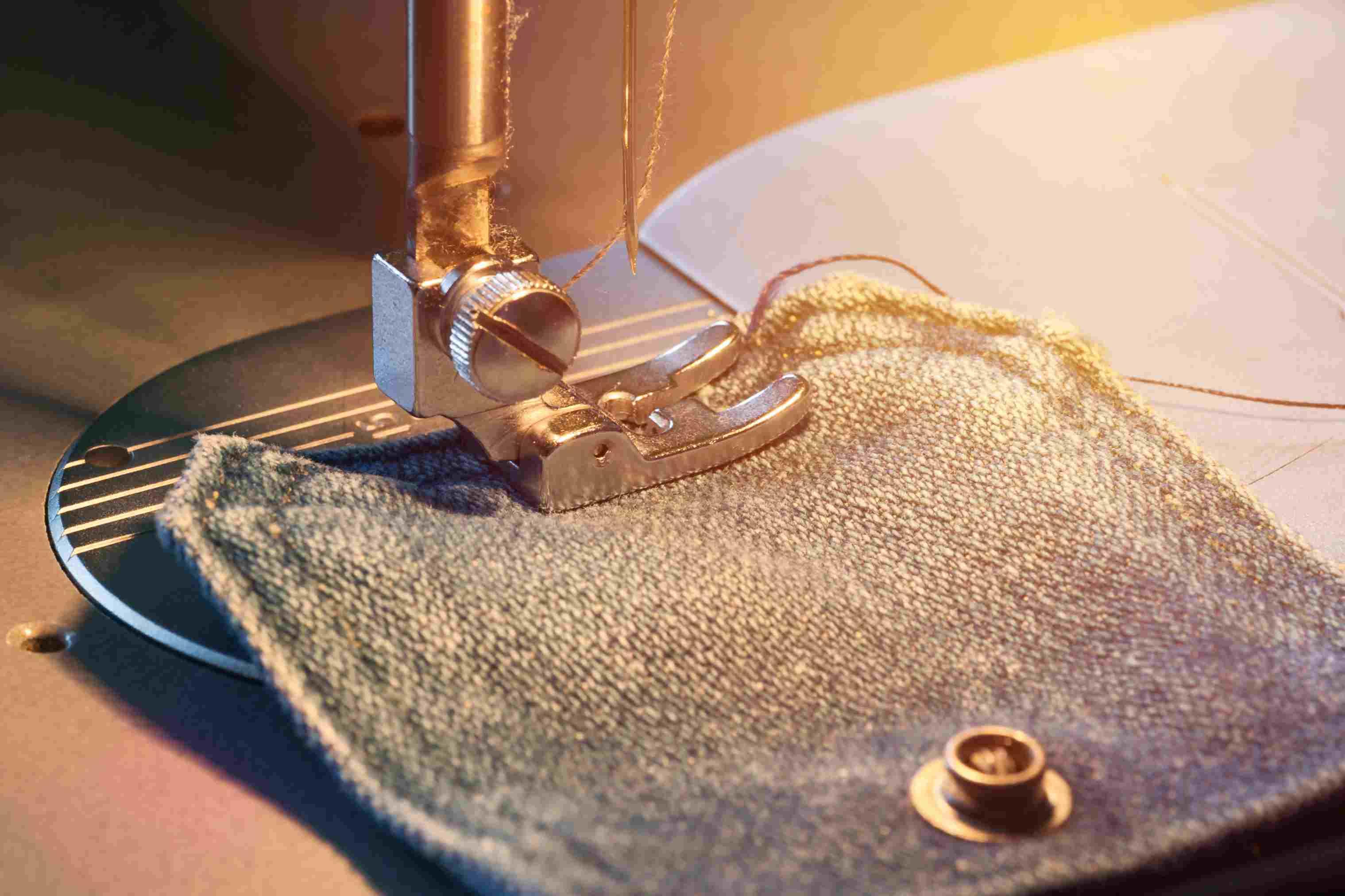Sewing denim pocket