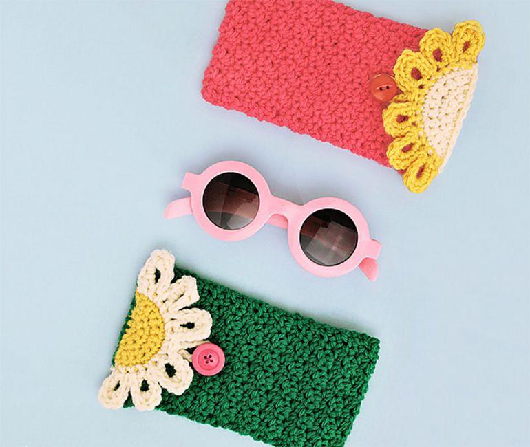 Crochet Daisy Pouch Free Pattern