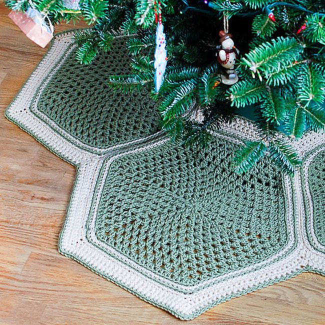 Christmas Tree Skirt Patterns Free.9 Crochet Christmas Tree Skirts