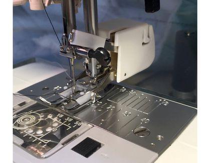 Sewing machine walking foot
