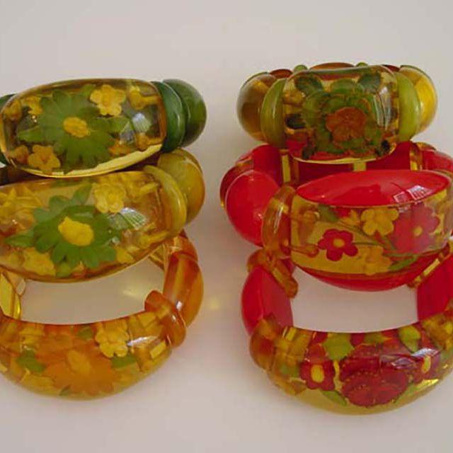White Bracelet Gold Toned Bracelet Stretchy Bracelet Plain Bracelet White Jewelry Vintage Jewelry