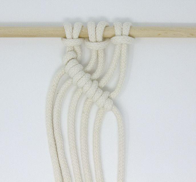 diagonal clove hitch macrame knot