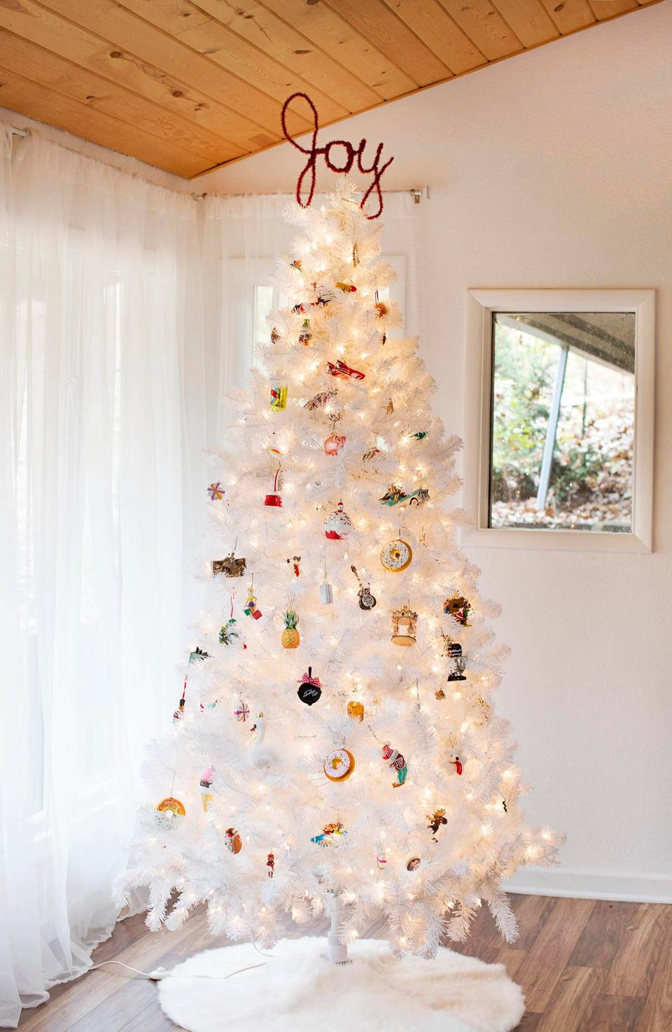 Fun, Festive, and Unique DIY Christmas Tree Toppers