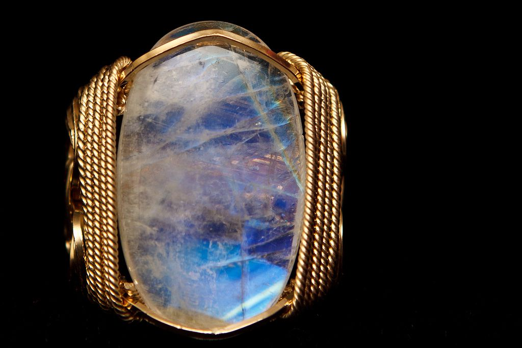 Moonstone Detail: Learn About Moonstone Facts and the Meaning of Moonstone