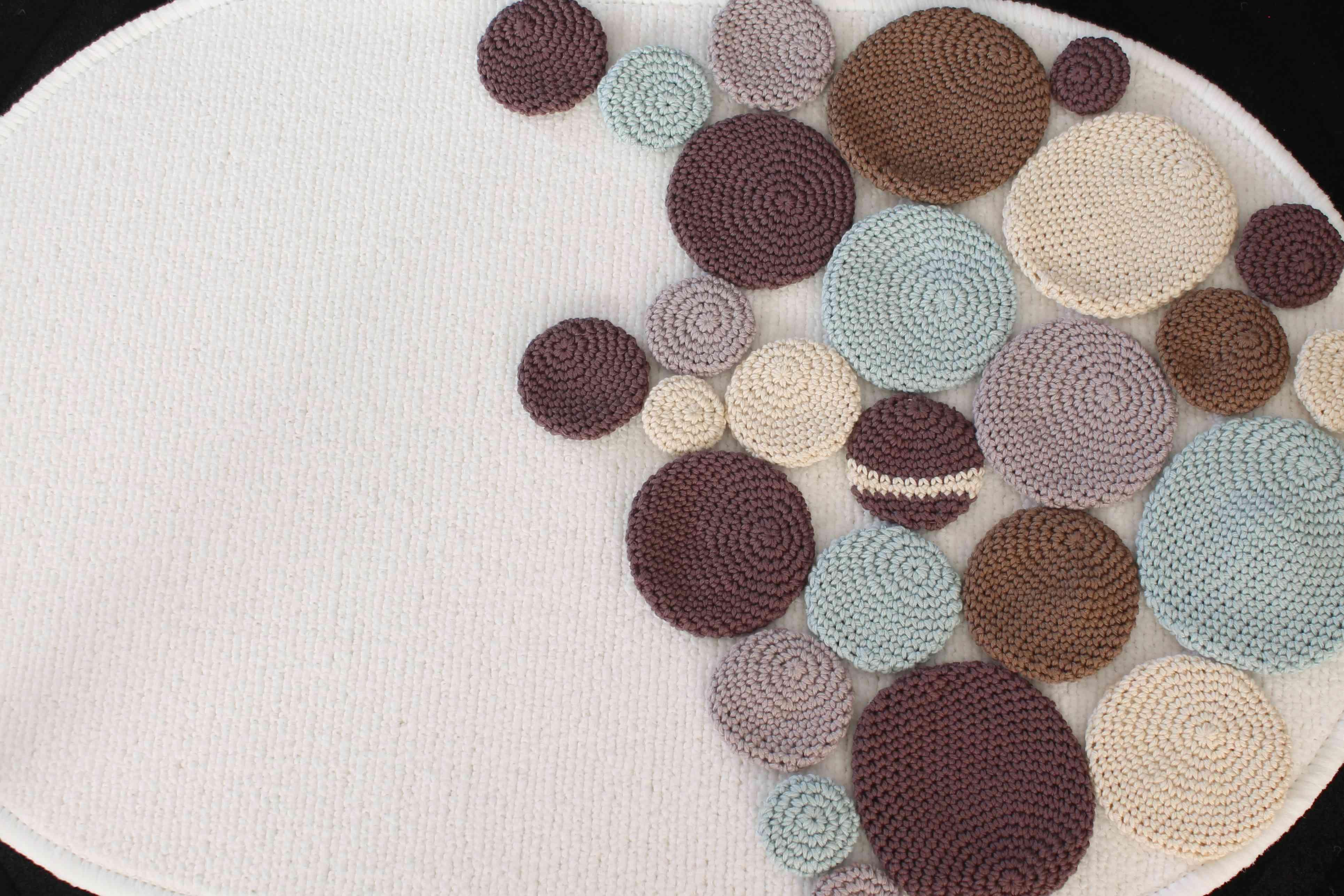Crocheted Pebbles Bath Mat