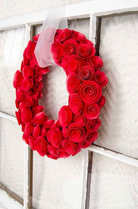 10 paper flower wreaths you can diy diy paper rosette wreath red rose paper wreath mightylinksfo