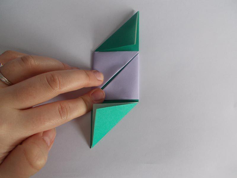 Ddakji folded paper