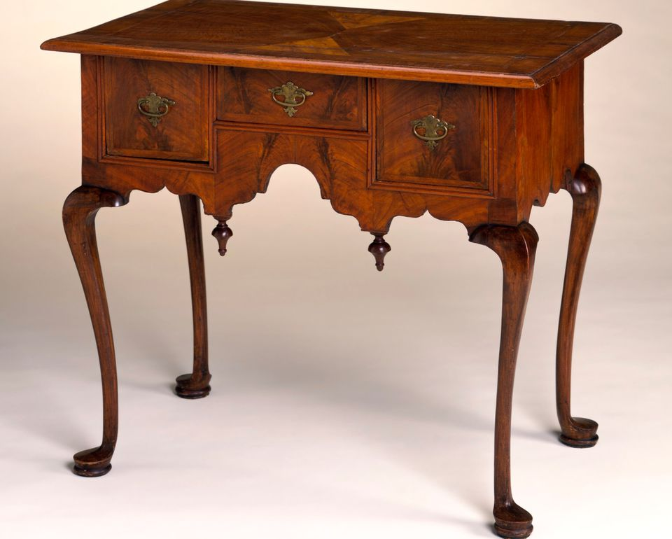 Queen Anne style dressing table with cabriole legs