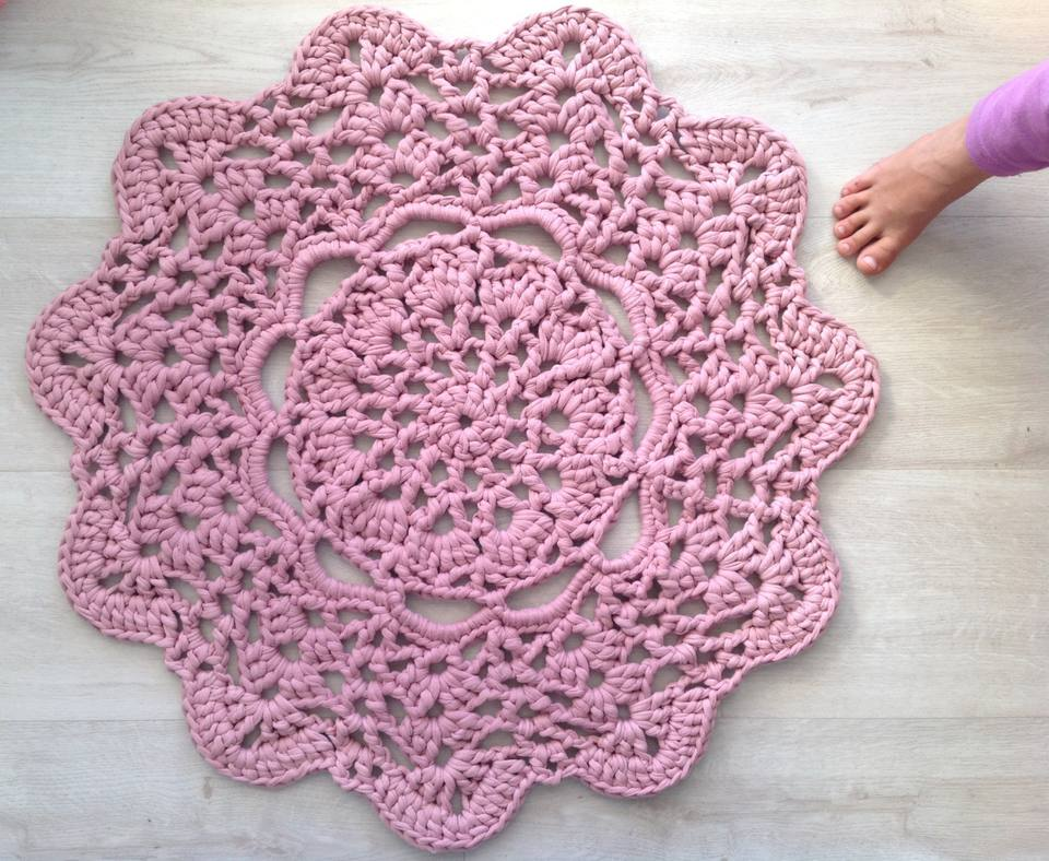T-shirt Yarn Doily Rug Free Crochet Pattern