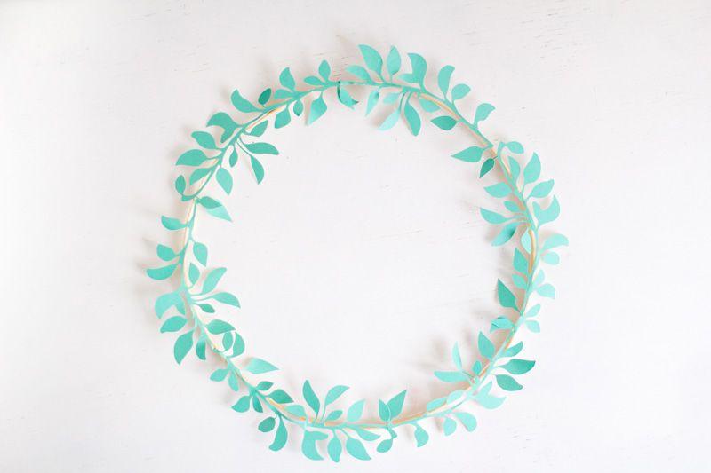 DIY Minimal Pastel Wreath