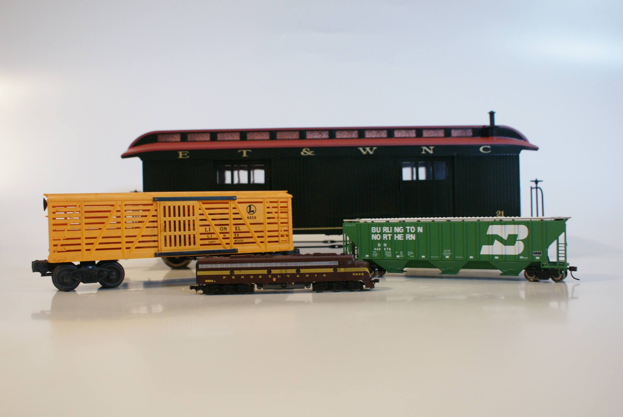 Model trains come in all sizes