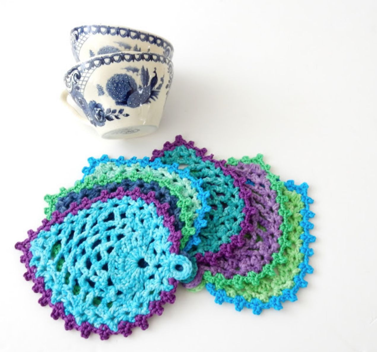 Peacock Style Pineapple Stitch Coasters