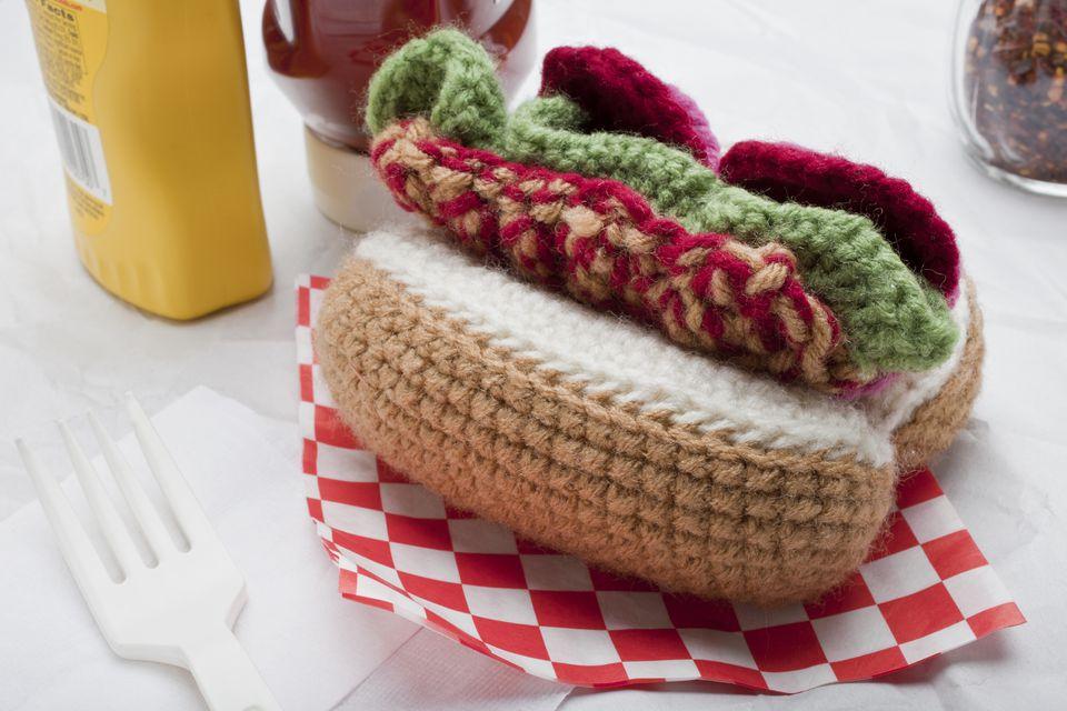 Sandwich hoagie, crocheted