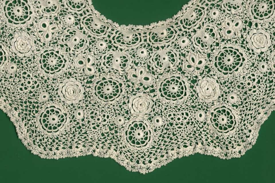 Irish crochet lace collar