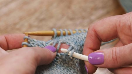 How To Pick Up A Dropped Knit Sch