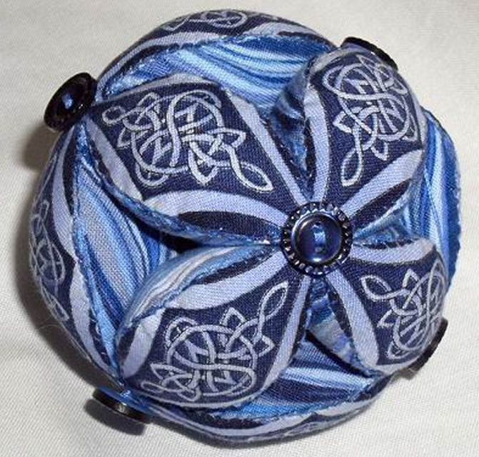 Amish Puzzle Ball Instructions.Free Patterns And Information To Make Your Own Pin Cushions