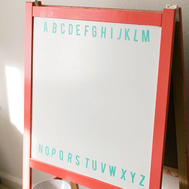 DIY Whiteboard Easel