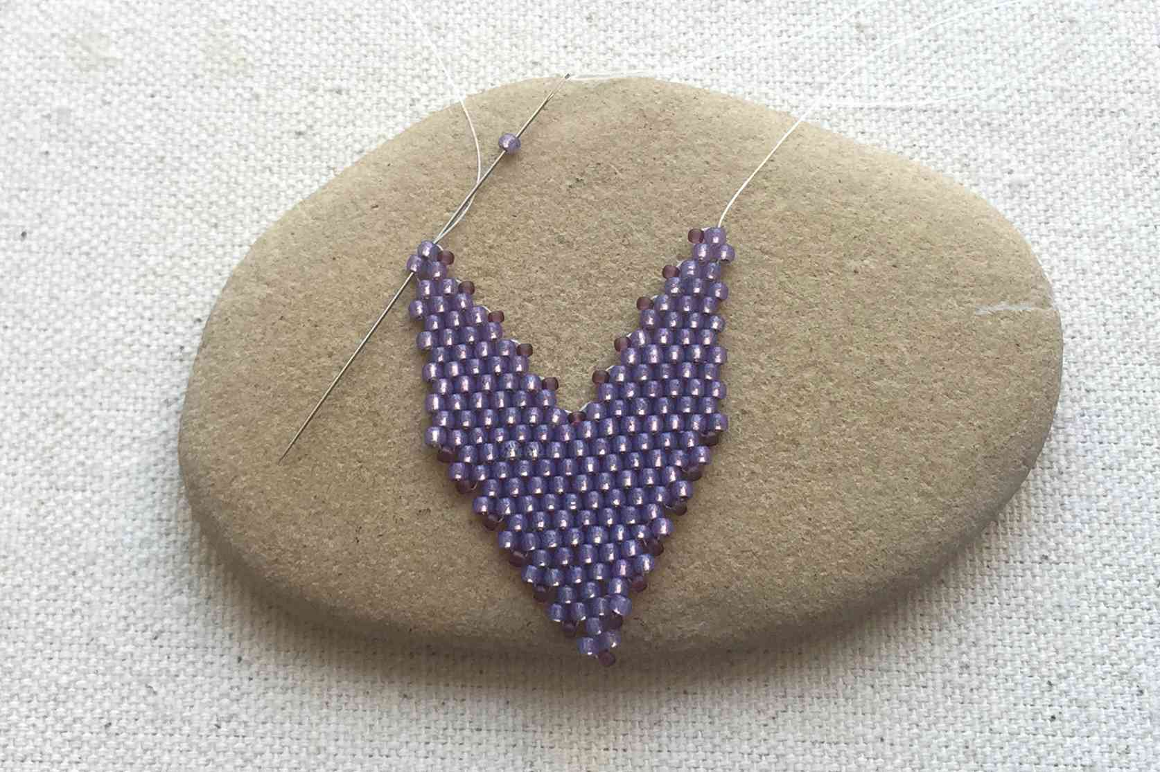c5721e899 How To Make Russian Style Leaves Using Peyote Stitch