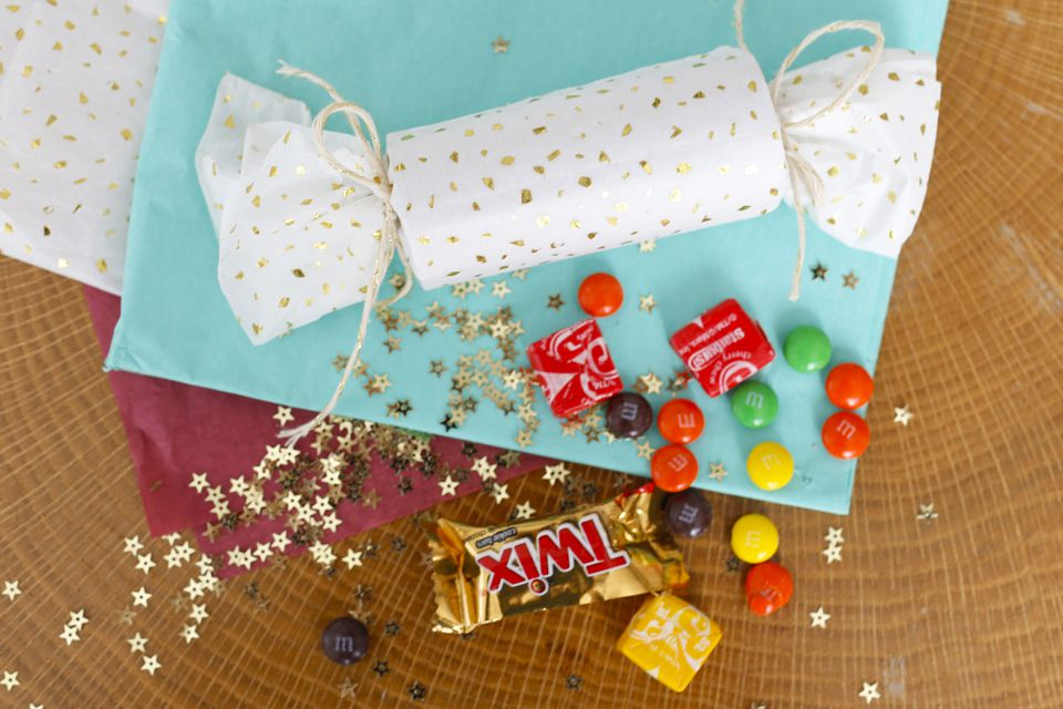 how to make christmas crackers or bon bons