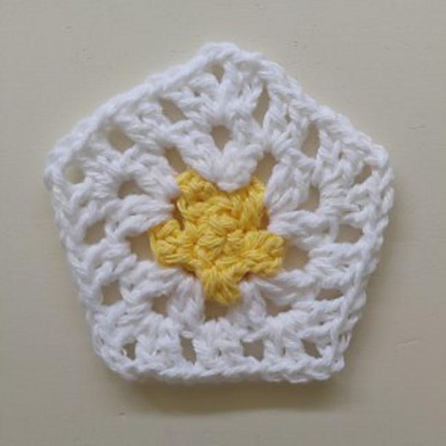 Granny Crochet Pentagon