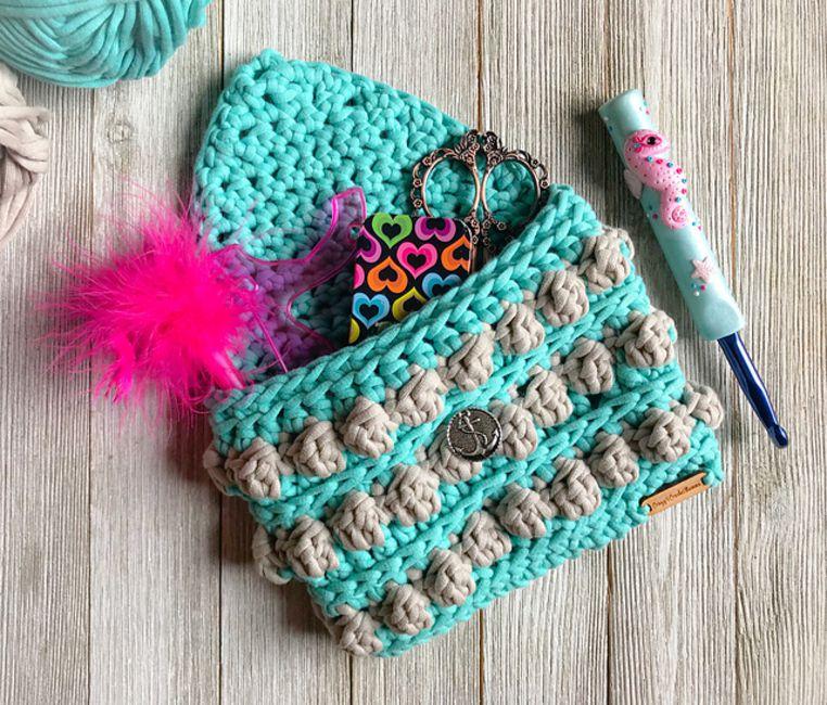 Textured Crochet Pouch Free Pattern